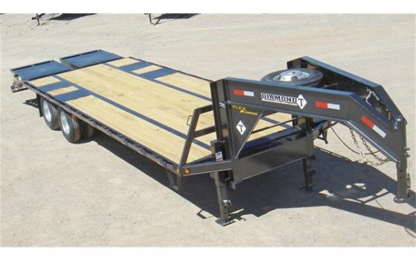 "Diamond T Tandem Dual 102"" X 36"" with 5' dove ramps w/ pop up"