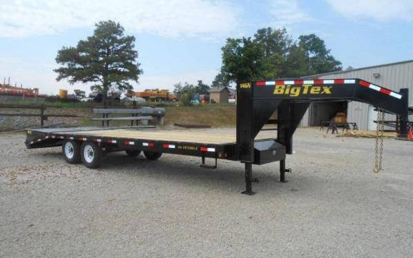 """Big Tex 102""""x20+5 Tandem Axle Gooseneck w/Mega Ramps"""