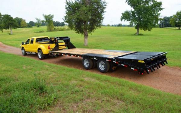 """Big Tex 102""""x28'+5' Tandem Dual Axle Gooseneck w.Mega Ramps"""