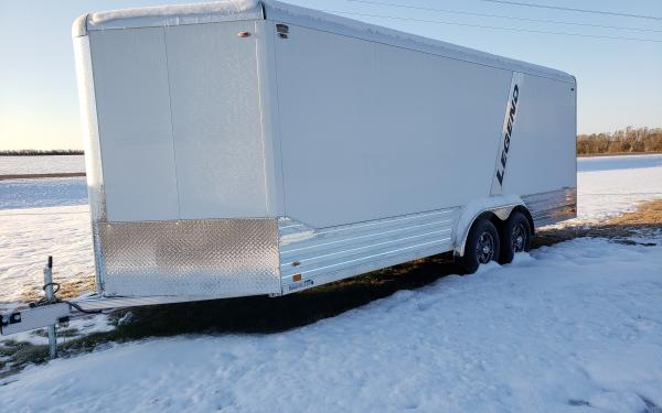 2021 LEGEND 8'X23' DELUXE V-NOSE ENCLOSED TRAILER W/ 5200# TORSION AXLES (WHITE)