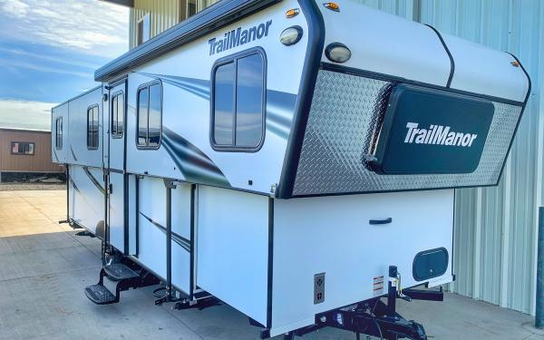 Brand new TrailManor Popup hard side Trailer