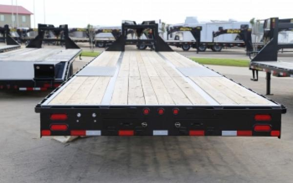 25GN Big Tex Gooseneck Trailer w/ 8' Slide In Ramps