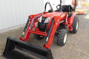 Branson 2400 Tractor with SL00 Front End Loader