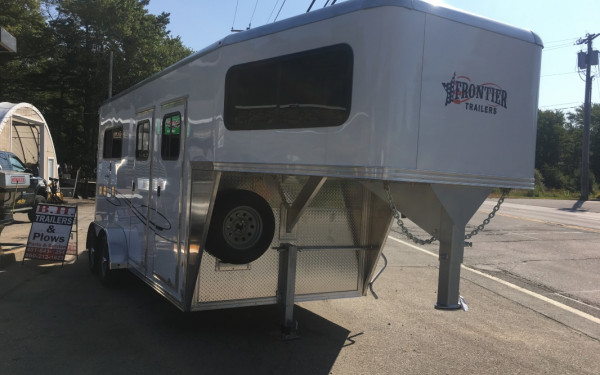 "2018 Frontier 44"" Ambassador Dress gooseneck straight load"