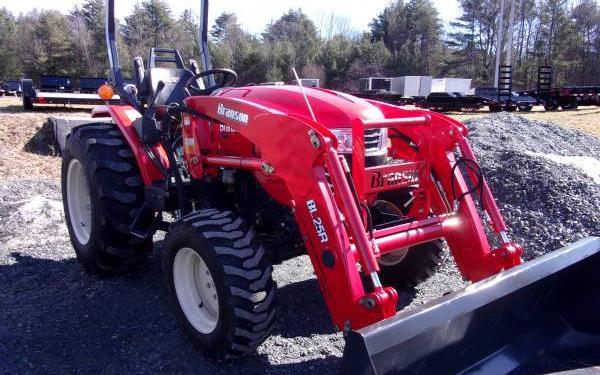 Branson 4225R w/loader