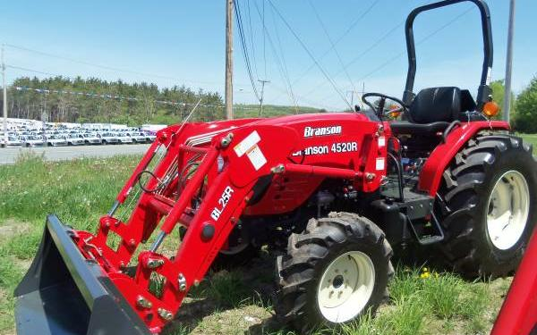 Branson 4520R w/loader