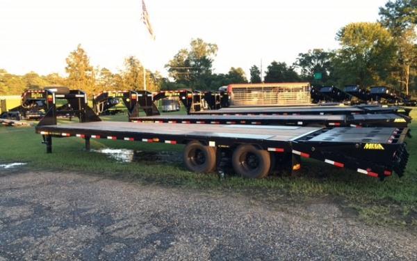Big Tex 25GN 25,900#,TD,GN,102 x 28 +5 Lo Pro,DT,2-MegaRamps,Black