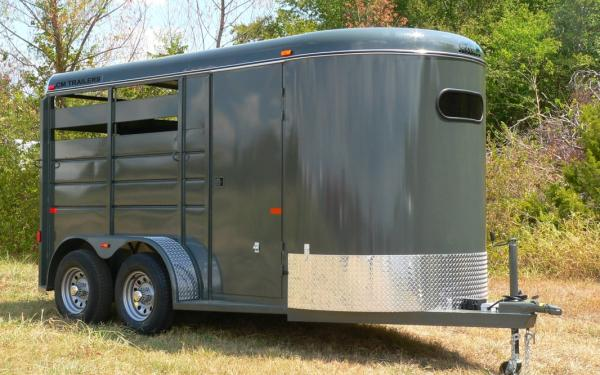 CM Dakota 16' Horse Trailer #9499
