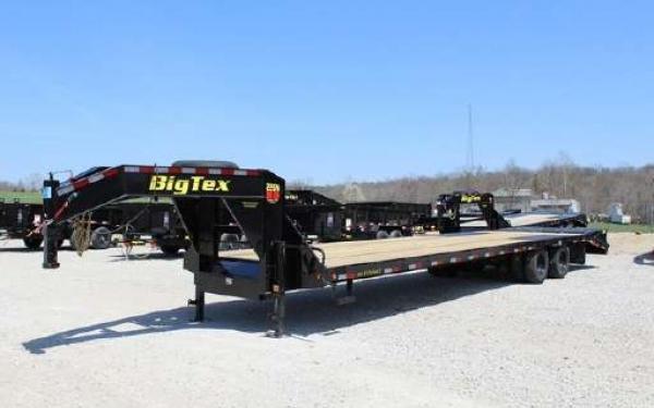 Big Tex 22GN,102 x 30 +5 Lo Pro,DT,2-MegaRamps,Black